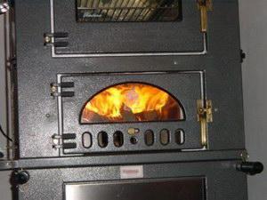 Дровяная печь в работе