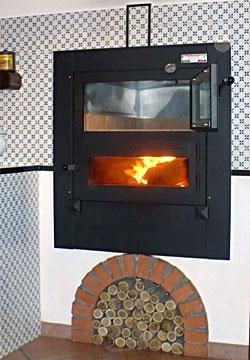 Дровяная печь для коттеджа